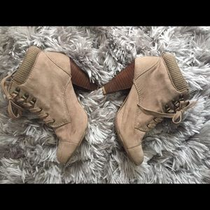 The perfect fall & winter bootie!